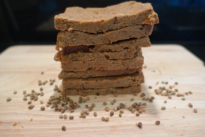 Easy vegan protein bars 1